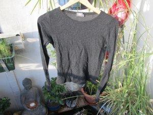 dunkelgraues Langarm-Shirt