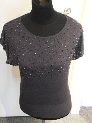 Dunkelgraues Shirt mit Perlen in S