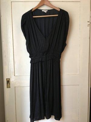 Dunkelgraues Sommerkleid mit Raffung