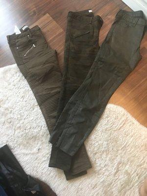 Dunkelgrün/Khaki/Military Skinny Hosen