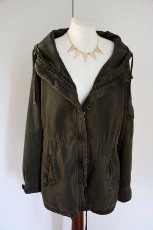 Dunkelgrüne Army Jacket