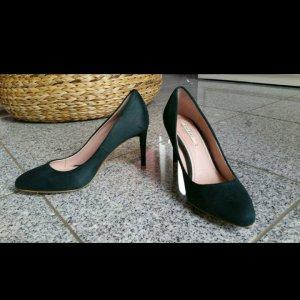 Dunkelgrüne High heels von Zara