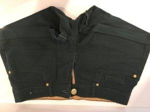 dunkelgrüne Short mit Taschen