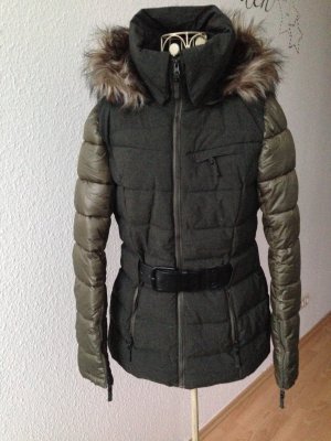 Dunkelgrüne Winterjacke von Tom Tailor Denim
