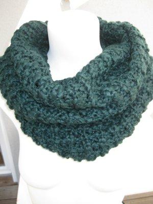 dunkelgrüner Woll-Loop von s. Oliver