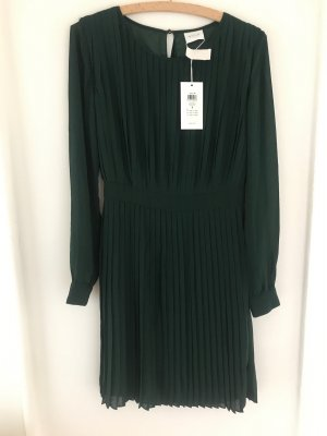 Dunkelgrünes Kleid