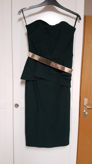 Dunkelgrünes Kleid mit goldenen Gürtel