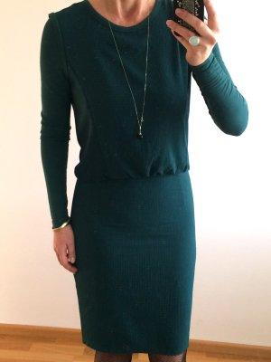 Dunkelgrünes Kleid von anounce