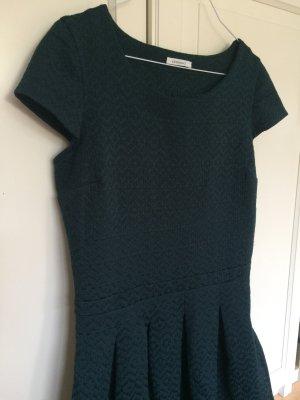 Dunkelgrünes Kleid von Promod