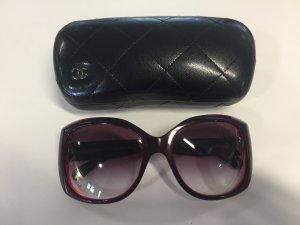 Dunkelrote CHANEL Sonnenbrille Modell RAP 5060AP