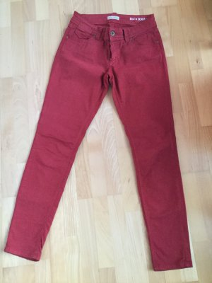 Dunkelrote Marco Polo Hose