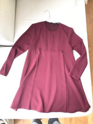 dunkelrotes (bordeauxrot) Kleid