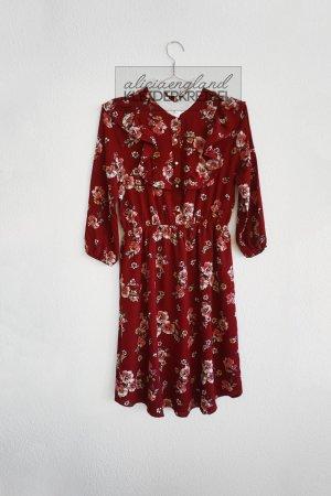 Dunkelrotes Kleid mit Volants