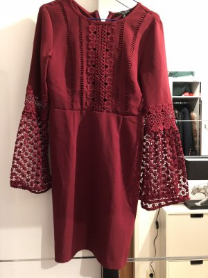 Dunkelrotes Kleid von Romeo & Juliet Couture