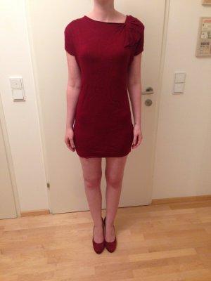 Dunkelrotes kurzes Kleid von H&M