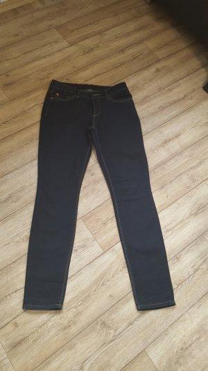 Dunkle Blue Jeans York von Street One Größe W28/L32