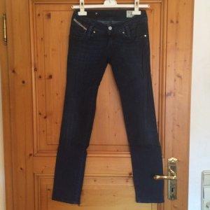 Dunkle Diesel Jeans dunkelblau