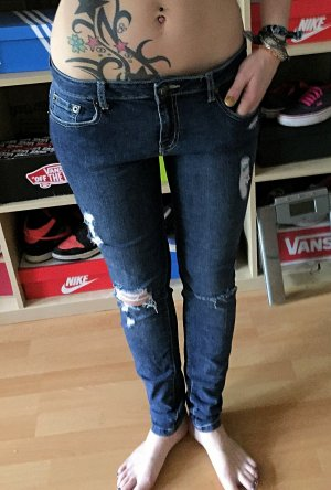 Dunkle forever21 ripped Jeans cut-out Jeans M