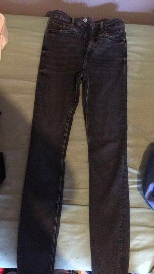 Dunkle Graue Jeanshose von Zara