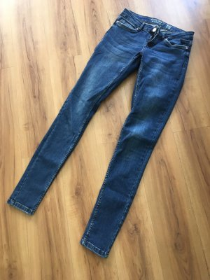 Dunkle Jeans