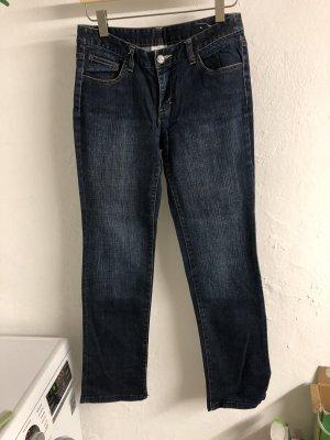 Dunkle Jeans Hose