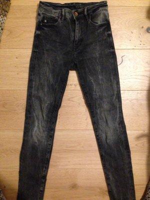 Dunkle Jeans von h& m