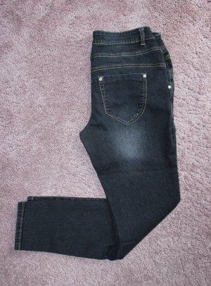 • Dunkle Jeanshose von Patrizia Dini