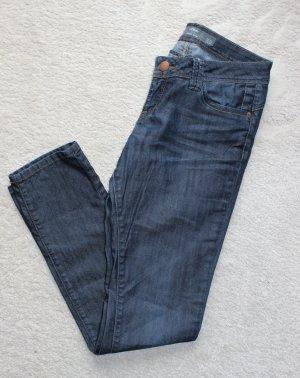 Dunkle Jeanshose von S.Oliver