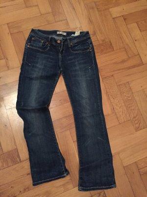 Dunkle LTB Jeans Bootcut - wie neu, Größe 28/30