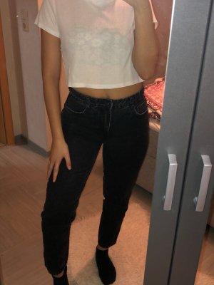 Dunkle Mom Jeans von Bershka