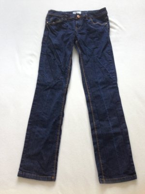 Dunkle Skinny Jeans von Clockhouse