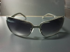dunkle Sonnenbrille