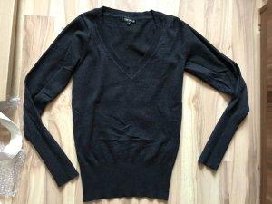 dunkler Pullover in Größe XS S 34 36 neu One Love
