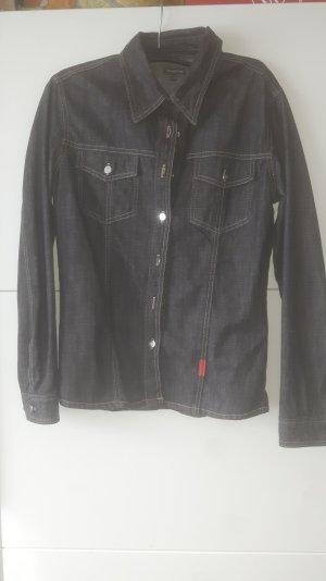 Dunkles JeansJacke/Hemd