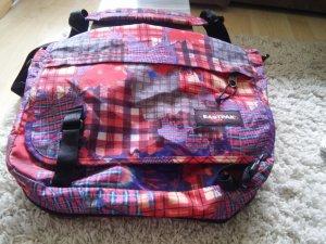 Eastpak Tasche in rot, optimal für die Schule oder Studium