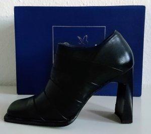 Echt-Leder Ankle Boots mit extravagantem Absatz
