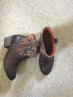 echt Leder Stiefeletten Boots mit Textilmuster in braun von H&M