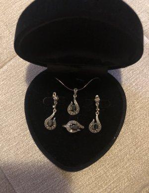 Silver Chain black-silver-colored