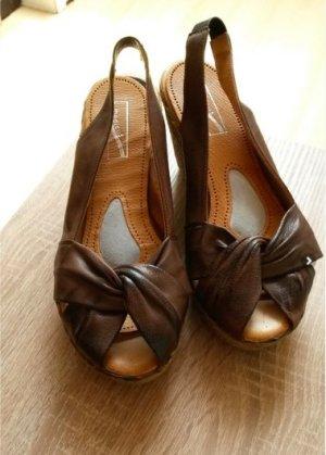 Platform Sandals taupe
