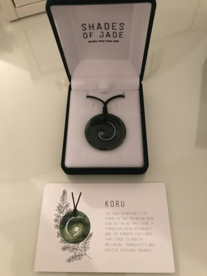 Echte wunderschöne Jade-Kette Koru