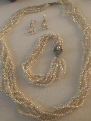 Collana di perle crema-bianco sporco