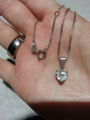 Echter Aquamarin an 925er Silberkette! Herz, Valentinstag, Herzkette, Herzanhänger