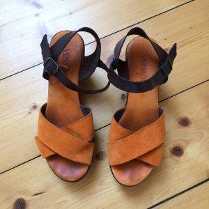 Echtes Leder Sandalen von Vermont in braun und orange , Größe 39.