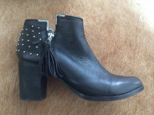 Blink Ankle Boots black leather