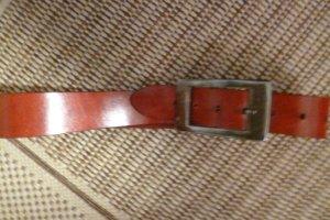 ECHTleder Gürtel: Design -SCHUCHARD & FRIESE-dunkles ziegelrot, dekorative mattsilber Metallschnalle, Gr S/ M
