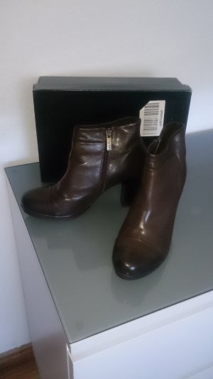 Virus Platform Booties brown