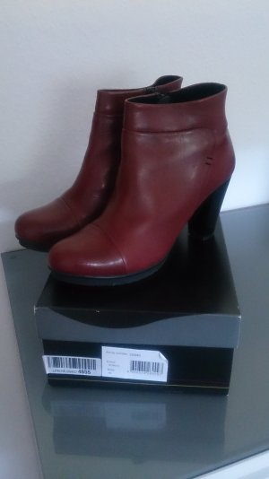 Virus Platform Booties bordeaux