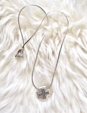 Echtschmuck - Halskette mit schwarzen Zirkonia in Kreuzform