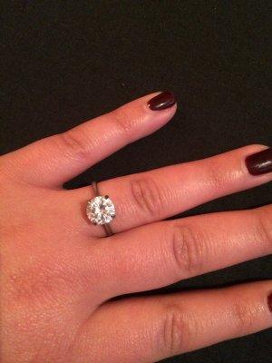 Echtsilberner Ring mit Zirkoniastein