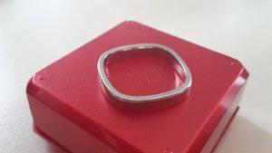 Eckiger Ring aus 585er Weißgold